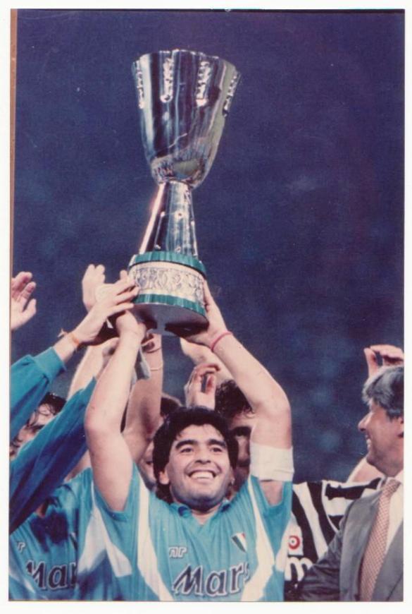 20130804110349!Maradona_supercoppa